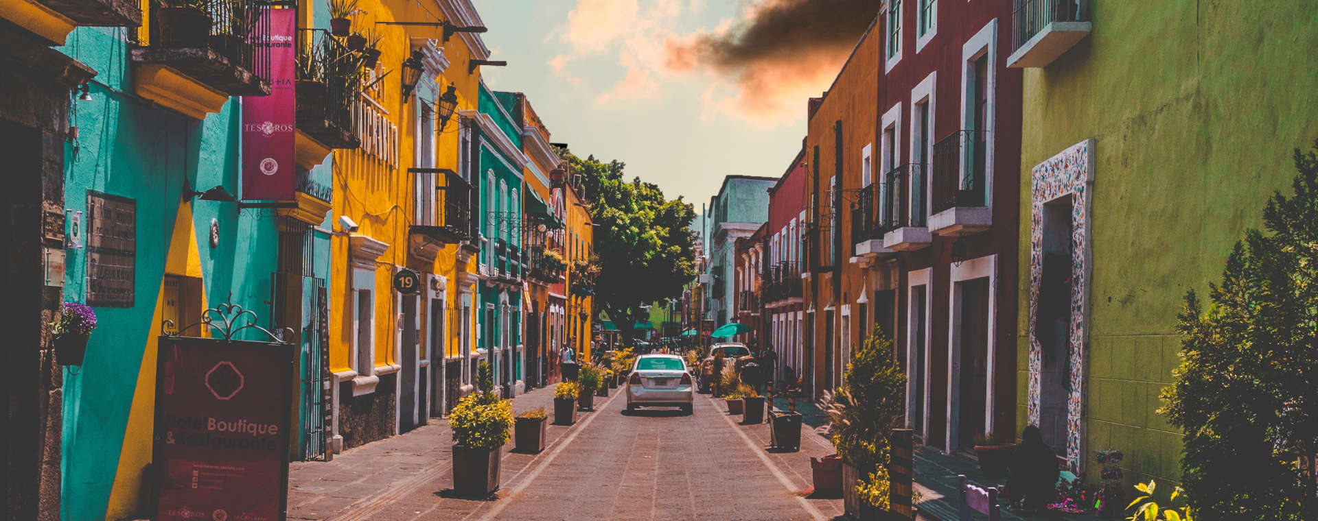 Pros and Cons of Doing Business in Mexico — Should You Go?